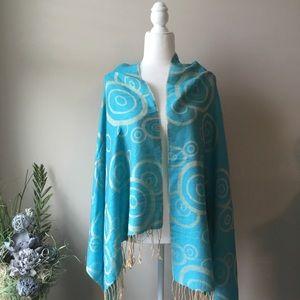 Accessories - Turquoise and Cream Swirl Shawl [BIN B]